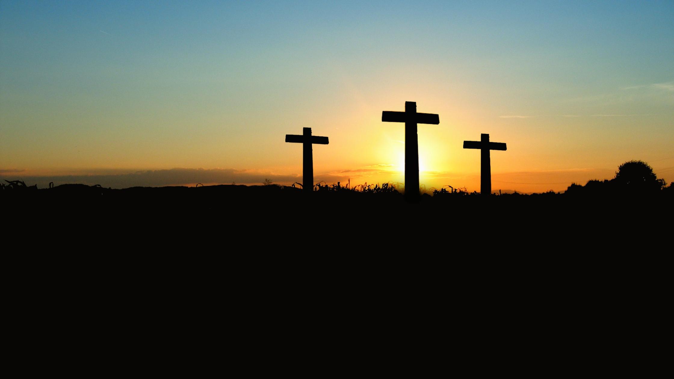 Three crosses-1