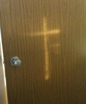 Door-Cross Cropped