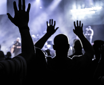 Jaw-Dropping Worship Moments - Worship at a Concert-2-1-1